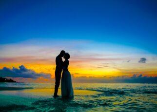Trao đi yêu thương và cùng nhau hạnh phúc